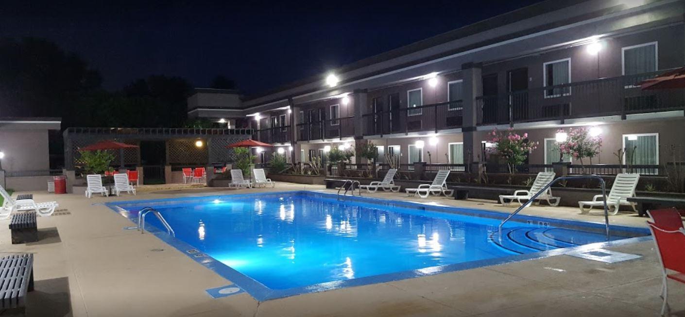 Clarion Inn.JPG